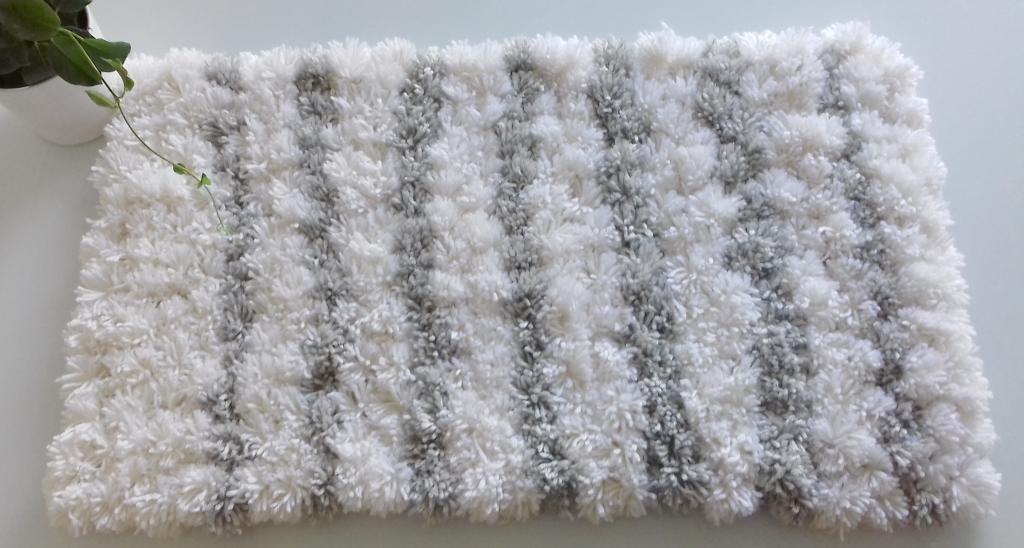 descente de lit pure laine slow-deco, fait main, diy, cocooning, toile de jute, deco naturelle, slow design