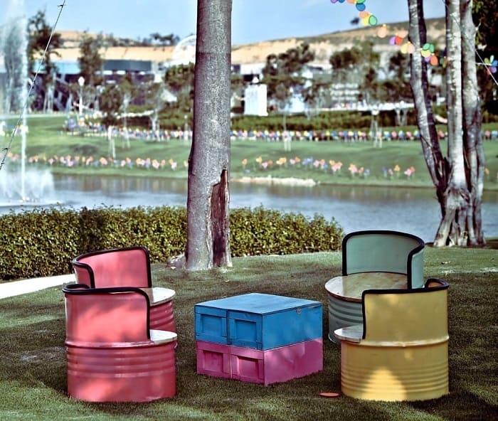 Des futs surcyclés en salon de jardin slow déco - upcycling, slow décoration, réutilisation, réparation des meubles et objets