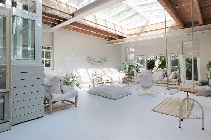 puits de lumière pour ce salon minimaliste