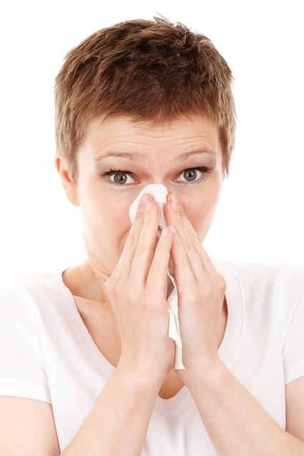 Rhinite allergique due à la pollution de l'air intérieur, 12 gestes pour améliorer la qualité de l'air dans nos maisons, déco écologique, naturelle, durable, écoresponsable