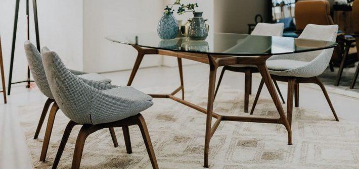 Table, chaises, salle à manger, réemploi, réutilisation, réparation, comment allonger la durée de vie des meubles et objets de décoration, réduction des déchets, préservation de l'environnement, décoration écologique, slow déco