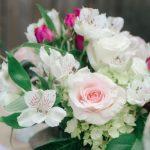 Bouquet de roses, dites-le avec des fleurs écoresponsables, commerce équitable, fleurs locales, fleurs bio, décoration écologique, décoration écoresponsable, qualité de l'air, décoration naturelle, slow deco