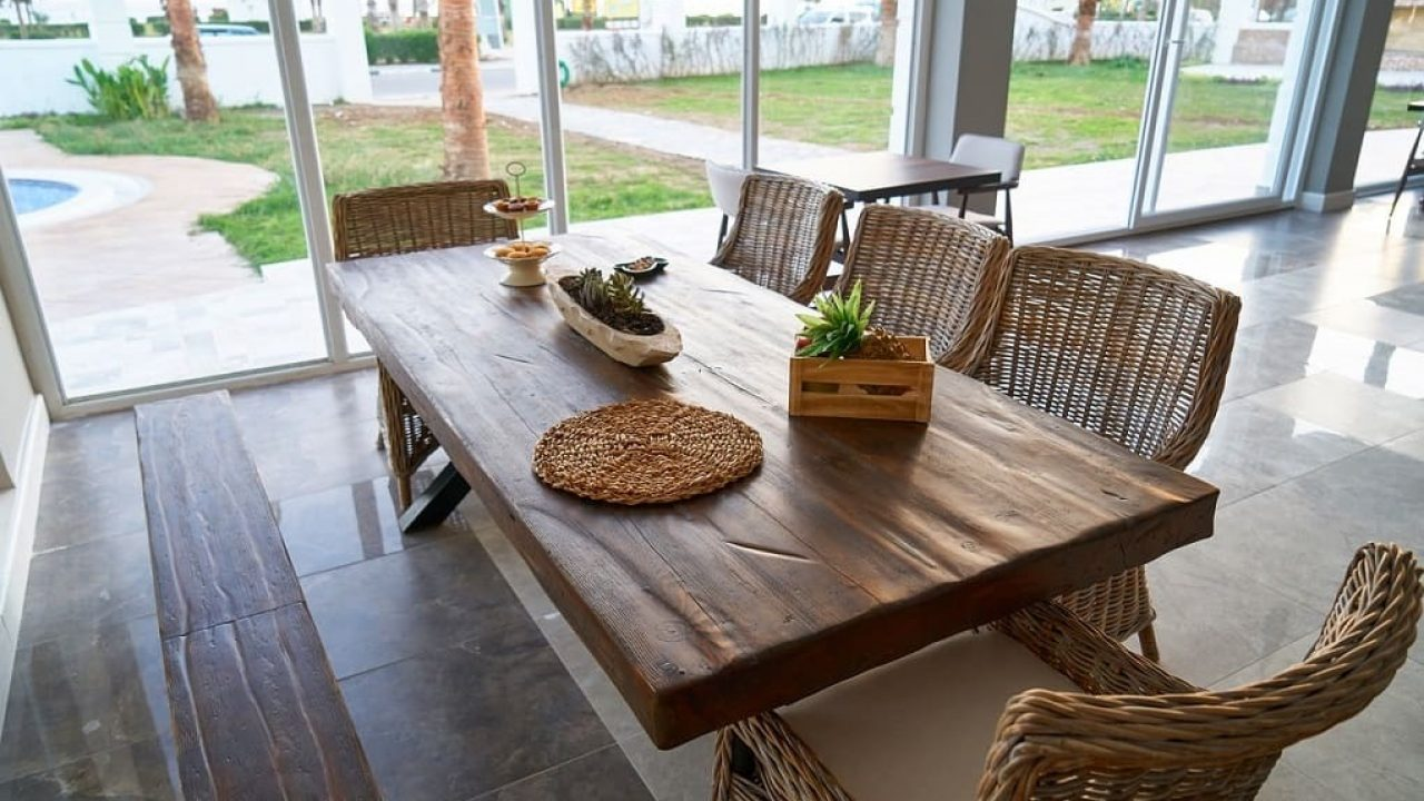 Resine Pour Peindre Meuble Bois quelle finition pour nos meubles en bois brut ou rénovés